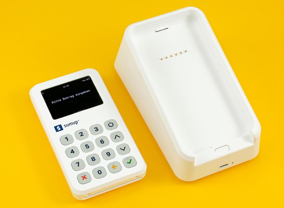 Das SumUp 3G (links) und Bondrucker (rechts)
