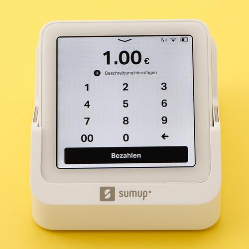 Der Betrag wird auf dem Touchscreen eingegeben.